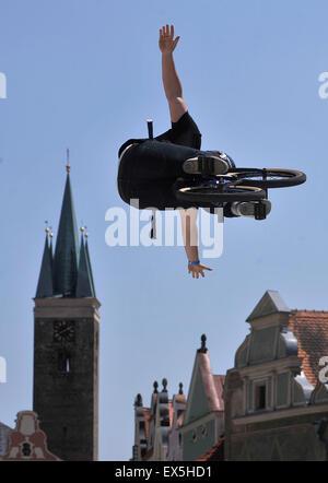 Telc, République tchèque. 4 juillet, 2015. La République tchèque en championnat BMX Freestyle, en minirampe, a eu Banque D'Images