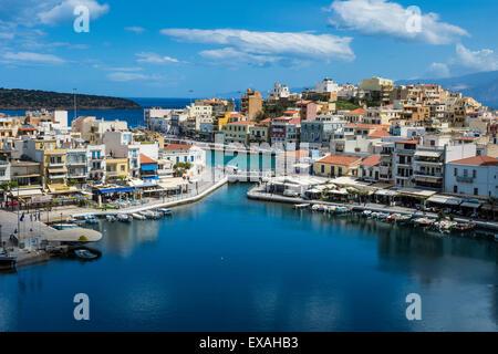 Vue sur lac Voulismeni, Agios Nikolaos, Crète, îles grecques, Grèce, Europe Banque D'Images