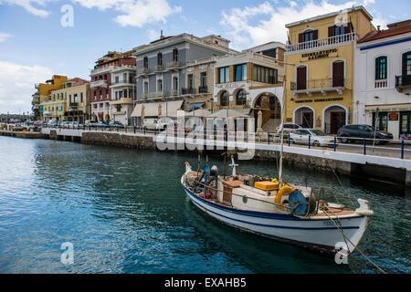 Lac Voulismeni, Agios Nikolaos, Crète, îles grecques, Grèce, Europe Banque D'Images