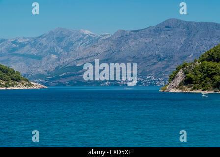 Ville Supetar à l''île de Brac en Croatie Banque D'Images