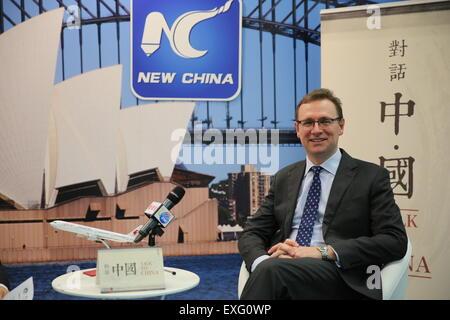 """Sydney, Australie. 10 juillet, 2015. Tourism Australia directeur général John O'Sullivan est vu dans """"Parle de Xinhua Chine' show à Sydney, Australie, le 10 juillet 2015. Un changement fondamental est en cours dans le tourisme australien et elle est tirée par la Chine, John O'Sullivan a dit à Xinhua. © Li Bing/Xinhua/Alamy Live News"""