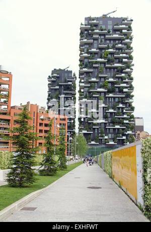 Bosco Verticale bâtiments dans Milan, Italie Banque D'Images