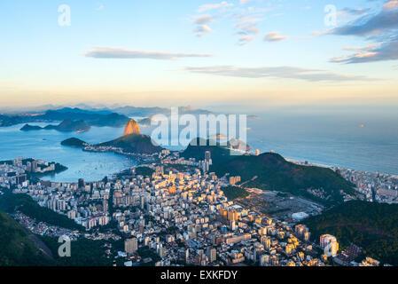Rio de Janeiro, vue panoramique de Sugarloaf Mountain à Corcovado Banque D'Images