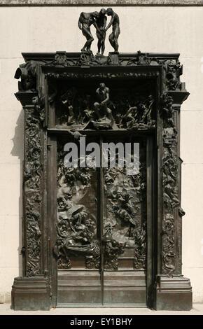 Les portes de l'enfer conçu par le sculpteur français Auguste Rodin affiche dans le jardin du musée Rodin à Paris, Banque D'Images