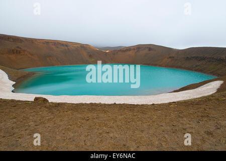 En Cratère Viti Krafla, Islande Banque D'Images