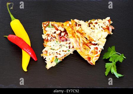 Tranches d'omelette Banque D'Images