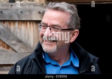Head shot of elderly man wearing glasses Banque D'Images