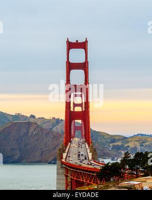San Francisco Golden Gate Bridge at sunset Banque D'Images