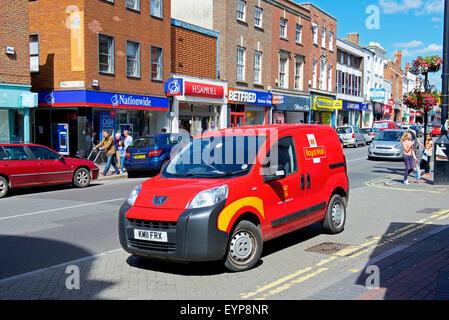 Royal Mail van stationné à Taunton, Somerset, England UK Banque D'Images