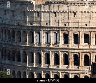 Détail de l'Colloseum, Site du patrimoine mondial de l'UNESCO, Rome, Latium, Italie, Europe Banque D'Images