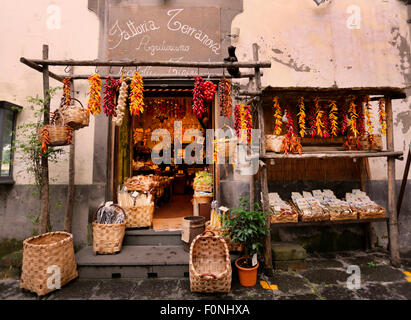 Des plats italiens traditionnels magasin,Côte d'Amalfi, Italie Banque D'Images