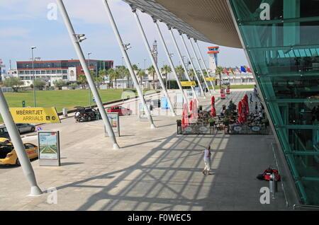 L'Aéroport International de Tirana Nënë Tereza (Mère Teresa), l'Albanie, de Rinas, Balkans, Europe