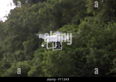DJI drone quadcopter RC par GPS, vol Mombasa Kenya Banque D'Images