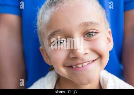 Close up of smiling girl avec le père Banque D'Images