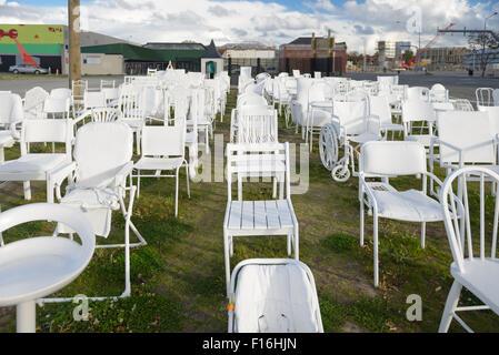 185 chaises vides pour Christchurch memorial tremblement Banque D'Images