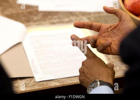 Le président des États-Unis, Barack Obama, les gestes de la main au cours de préparation à l'état de l'Union dans Banque D'Images