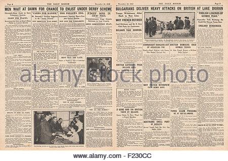 1915 pages 4 et 5 miroir quotidien de nouvelles recrues pour l'Armée britannique et attaque de l'Armée bulgare lignes Banque D'Images