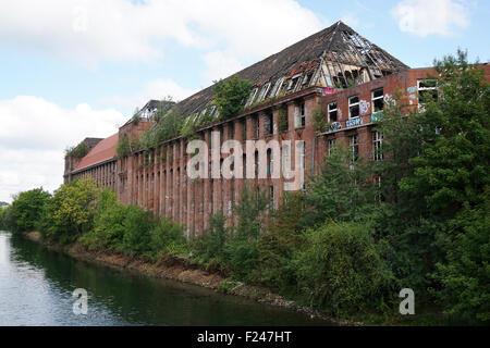 Bâtiment de l'usine abandonnée Banque D'Images