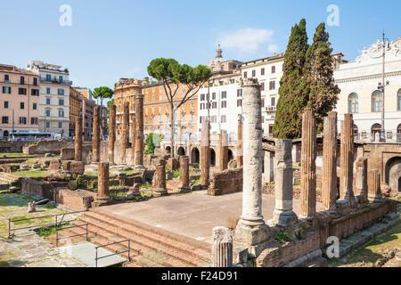 Ruines de quatre théâtres romains dans le Largo di Torre Argentina ou largo argentine un carré à Rome Italie Roma Banque D'Images