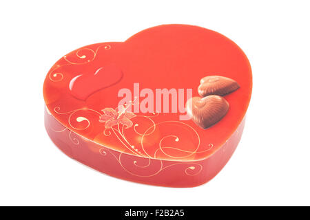 Boîte de chocolats coeur rouge isolé Banque D'Images