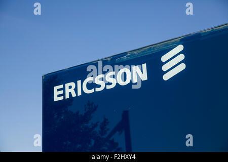 Un logo affiche à l'extérieur d'un établissement occupé par Ericsson à Plano, Texas le 12 septembre 2015. Banque D'Images