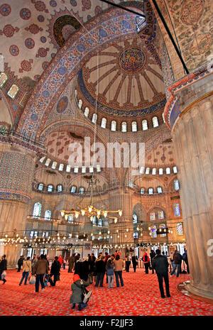 Intérieur de la Mosquée Bleue (Sultanahmet Camii). Istanbul, Turquie Banque D'Images
