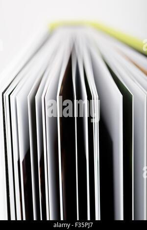 Close up of a livre ouvert avec les pages Banque D'Images