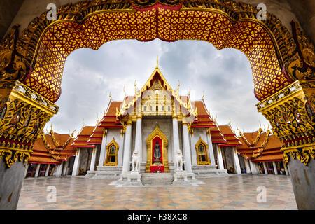 Wat Benchamabophit, le Temple de marbre, à Bangkok, Thaïlande. Banque D'Images