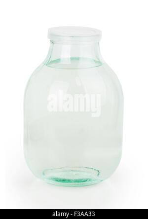 Couvercle fermé trois litre verre transparent bocal rempli d'eau isolé sur fond blanc Banque D'Images