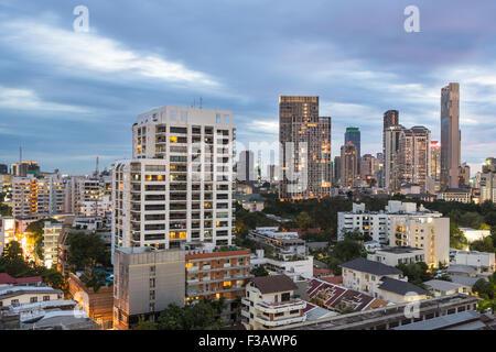 Bangkok skyline moderne autour du quartier des affaires Silom/Sathorn, qui contient un bon nombre d'hôtels de luxe Banque D'Images
