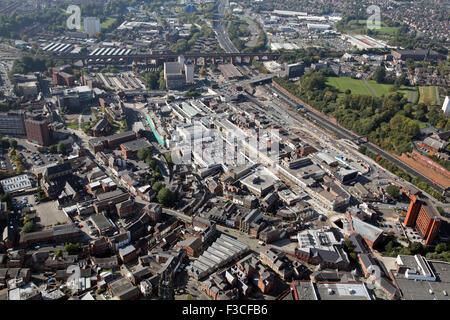 Vue aérienne du centre-ville de Stockport et célèbre viaduc ferroviaire, UK Banque D'Images
