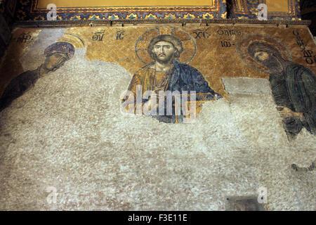 La belle mosaïque Deisis Jésus à l'intérieur de Sainte-sophie à Istanbul, Turquie. Banque D'Images
