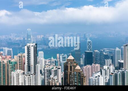 Hong Kong S.A.R., Hong Kong - 24 Février, 2014: Jour de Hong Kong skyline de Victoria Peak, Hong Kong Banque D'Images