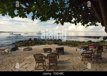 Tableaux de certains des restaurants sur la plage. Plage de Sihanoukville. Sihanoukville a une apparence différente Banque D'Images