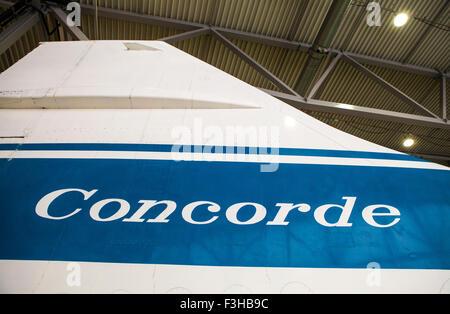 France - 5 octobre 2015: La queue de l'aile de l'avion supersonique Concorde à l'Imperial War Museum Duxford dans Banque D'Images