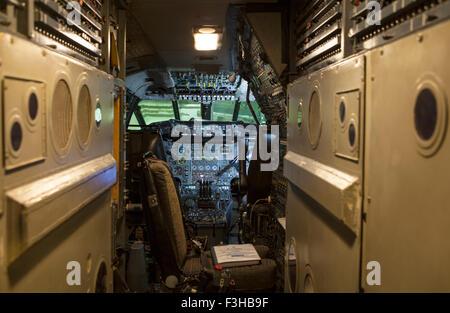 France - 5 octobre 2015: une vue à l'intérieur du cockpit de l'avion Concorde à l'Imperial War Museum Duxford dans Banque D'Images