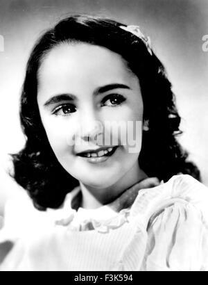 ELIZABETH TAYLOR (1932-2011) Actrice anglo-américaine à propos de 1942