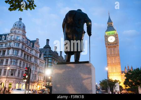 Big Ben et Winston Churchill Statue, Westminster, London, United Kingdom Banque D'Images