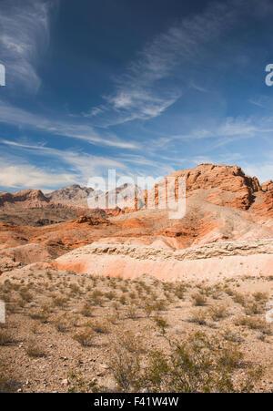Falaises multicolores dans la Vallée de Feu, près de Las Vegas NEVADA USA Banque D'Images