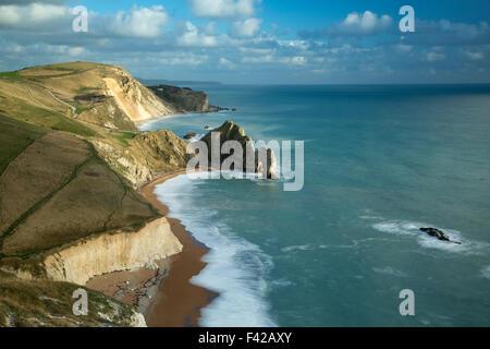 Durdle door et la côte jurassique de Bat's Head, Dorset, England, UK Banque D'Images