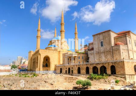 Une vue de la cathédrale maronite Saint George et le Mohammad Al-Amin mosquée au centre historique de Beyrouth, Banque D'Images