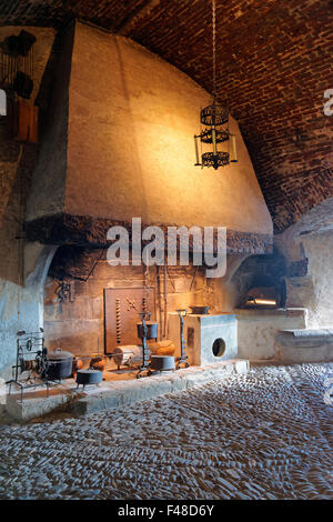 Gruyère, SUISSE - 31 décembre 2014: Exposition de l'ancienne maison tenue au château de Gruyères en Suisse. Banque D'Images