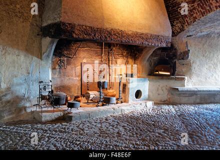 Gruyère, SUISSE - 31 décembre 2014: Ancienne maison affichée dans le château de Gruyères en Suisse. Banque D'Images
