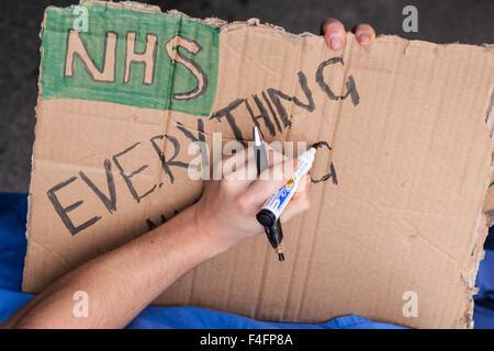 Londres, Royaume-Uni. 17 octobre, 2015. Les jeunes médecins NHS manifestation de masse contre les changements proposés Banque D'Images