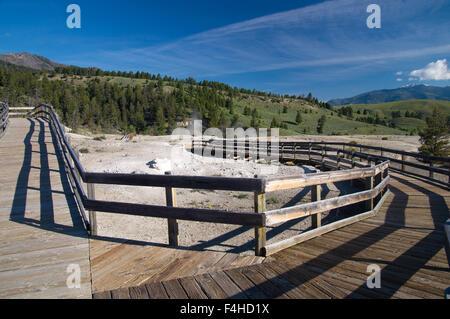 L'été sur les trottoirs de Yellowstone Park Banque D'Images