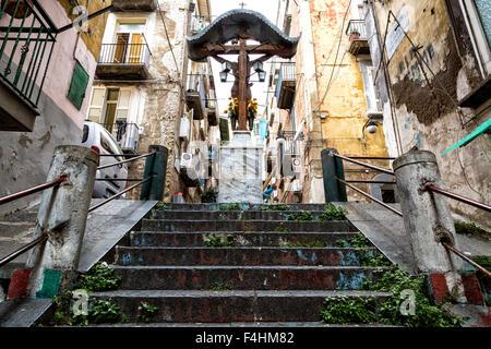 NAPLES (Italie) - Quartieri Spagnoli, dans le centre historique de Naples Banque D'Images
