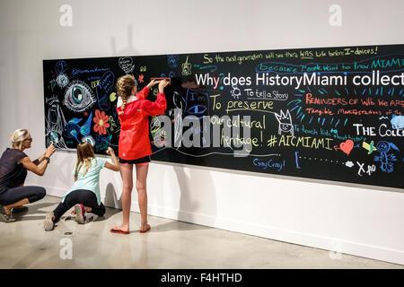 Centre culturel de Miami Florida-Dade HistoryMiami centre d'histoire locale Musée expositions intérieur étudiant Banque D'Images
