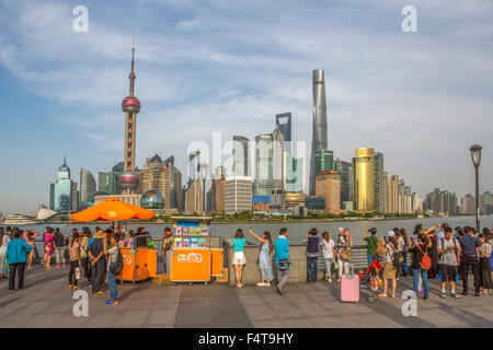 La Chine, la ville de Shanghai, Pudong District skyline, Jinmao, le World Financial Center et Shanghai Tower Banque D'Images