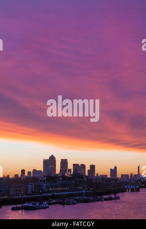 L'Angleterre, Londres, Docklands, Canary Wharf Skyline Banque D'Images