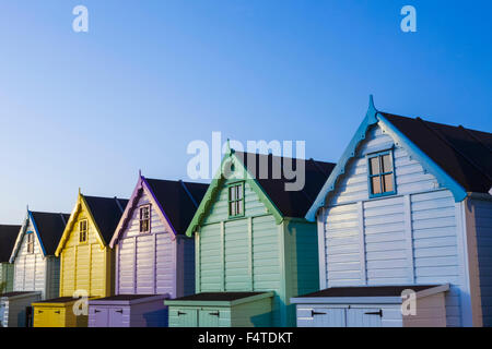 L'Angleterre, Essex, Mersea Island, cabines de plage Banque D'Images